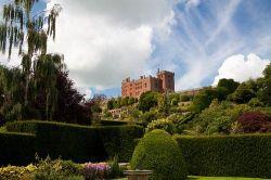 Поуис (Powis Castle and Garden)
