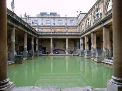 Древние римские бани в городе Бат (Bath)