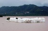 Роскошный отель Lake Palace - бывшая резиденция местного махараджи